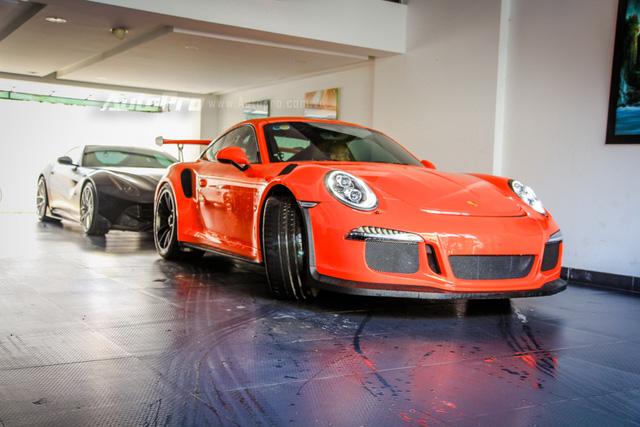 Cường Đô-la tậu thêm siêu xe Porsche 911 GT3 RS Coupe độc nhất Việt Nam - Ảnh 1.