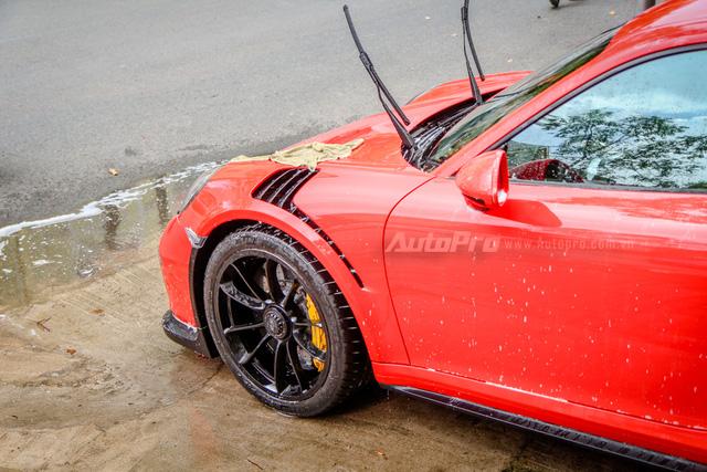 Cận cảnh siêu xe Porsche 911 GT3 RS mà Cường Đô-la mới tậu - Ảnh 6.