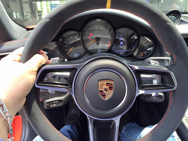 Porsche 911 GT3 RS độc nhất Việt Nam được cho ra biển số - Ảnh 3.