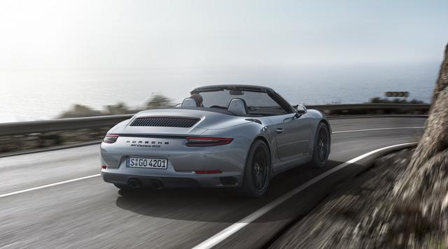 Porsche 911 GTS 2017 tăng thêm 20 mã lực, giá từ 3 tỷ Đồng - Ảnh 6.