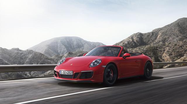 Porsche 911 GTS 2017 tăng thêm 20 mã lực, giá từ 3 tỷ Đồng - Ảnh 2.