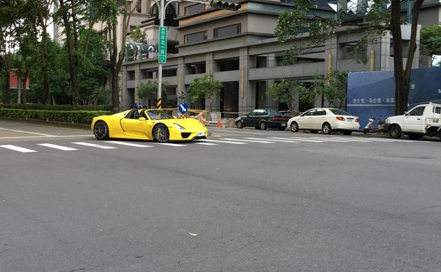 Hàng hiếm Porsche 918 Spyder của đại gia Nhật Bản sở hữu biển khủng - Ảnh 1.