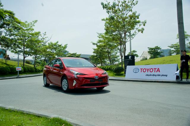 Toyota rục rịch đưa xe xanh siêu tiết kiệm xăng Prius về Việt Nam, chờ ưu đãi thuế - Ảnh 2.