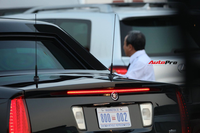 """Cận cảnh """"quái vật"""" Cadillac One đón Tổng thống Donald Trump tại sân bay Nội Bài - Ảnh 7."""