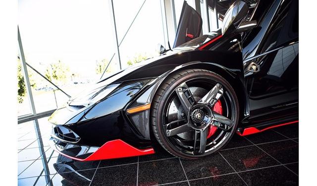 Đây là chiếc Lamborghini Centenario đầu tiên trên thế giới được rao bán - Ảnh 7.
