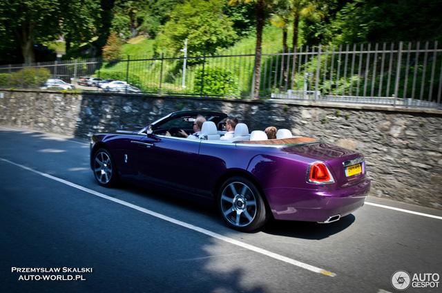 Xe mui trần Rolls-Royce Dawn dành cho người cuồng màu tím - Ảnh 4.