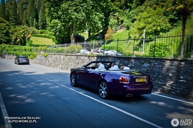 Xe mui trần Rolls-Royce Dawn dành cho người cuồng màu tím - Ảnh 5.