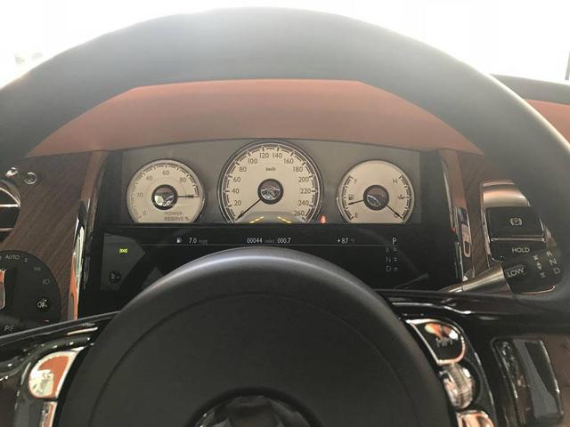 Rolls-Royce Dawn bất ngờ xuất hiện tại Sài thành - Ảnh 15.