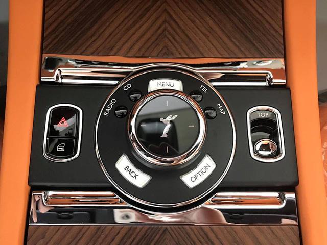 Rolls-Royce Dawn bất ngờ xuất hiện tại Sài thành - Ảnh 18.