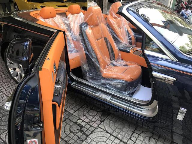 Rolls-Royce Dawn bất ngờ xuất hiện tại Sài thành - Ảnh 7.