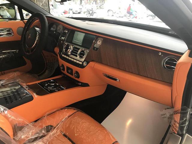 Rolls-Royce Dawn bất ngờ xuất hiện tại Sài thành - Ảnh 9.