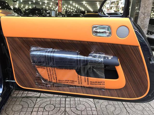 Rolls-Royce Dawn bất ngờ xuất hiện tại Sài thành - Ảnh 13.