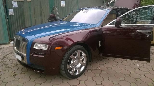 Rolls-Royce Ghost phối màu lạ của đại gia Hà thành - Ảnh 1.