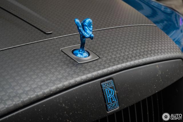 Rolls-Royce Wraith độ Mansory khoe dáng trên phố - Ảnh 4.