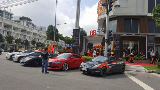Dàn siêu xe và xe thể thao khủng của đại gia Sài thành tụ tập cuối tuần - Ảnh 6.
