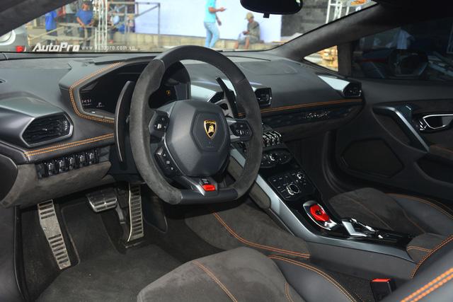 Soi kỹ chiếc Lamborghini Huracan độ cá tính của người chơi xe Sài thành - Ảnh 17.