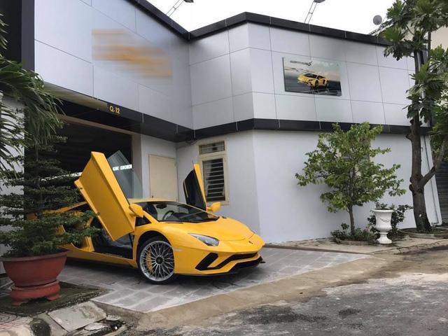 Lamborghini Aventador S đầu tiên cập bến Việt Nam xuất hiện tại quận 12 - Ảnh 3.