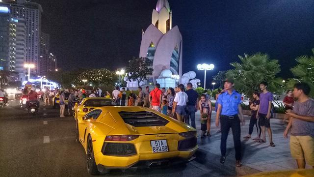 Sau Đà Nẵng, hàng chục siêu xe và xe thể thao tông xuyệt tông màu vàng di chuyển về Nha Trang - Ảnh 6.