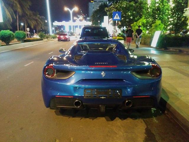 Siêu xe Ferrari 488 mui trần thả dáng cùng Range Rover SVAutobiography 12 tỷ Đồng tại Nha Trang - Ảnh 3.