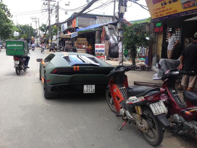 Lamborghini Huracan độ mâm bản giới hạn 273 triệu Đồng gắn biển số dưới lòng đường - Ảnh 2.