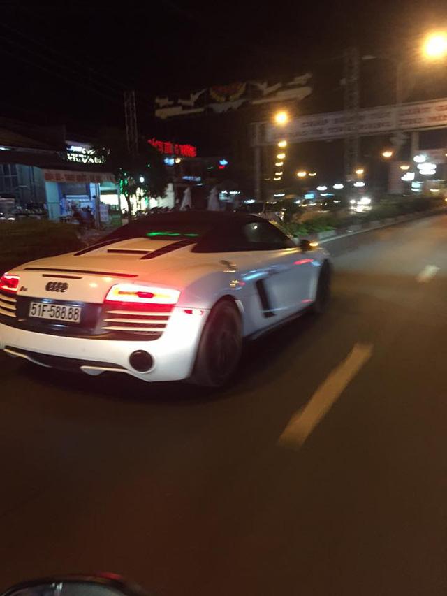 Audi R8 V10 Spyder độc nhất Việt Nam của đại gia Trung Nguyên bị bắt gặp tại Bình Phước - Ảnh 1.