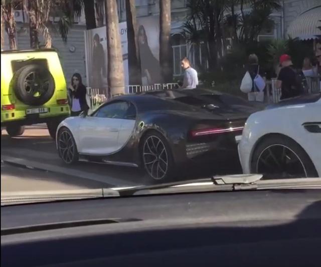 Video này cho thấy, thành phố Cannes của Pháp đang bị bão siêu xe càn quét - Ảnh 2.