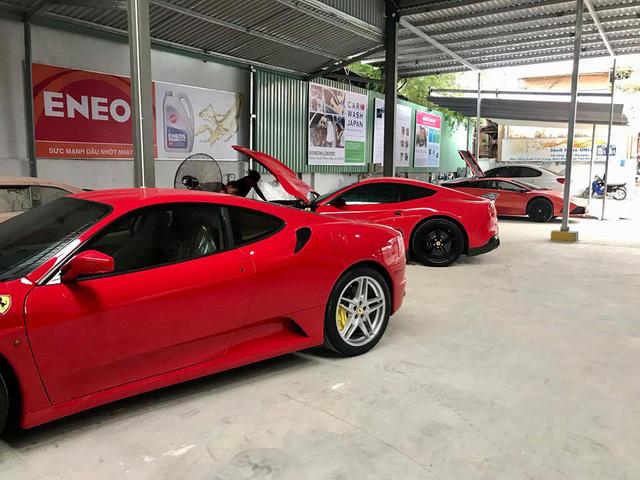 Dàn siêu xe Ferrari và Lamborghini của đại gia Sài thành tụ tập tại quận 2 - Ảnh 1.