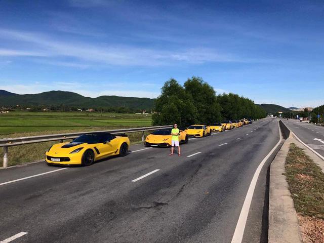 Sau Đà Nẵng, hàng chục siêu xe và xe thể thao tông xuyệt tông màu vàng di chuyển về Nha Trang - Ảnh 5.