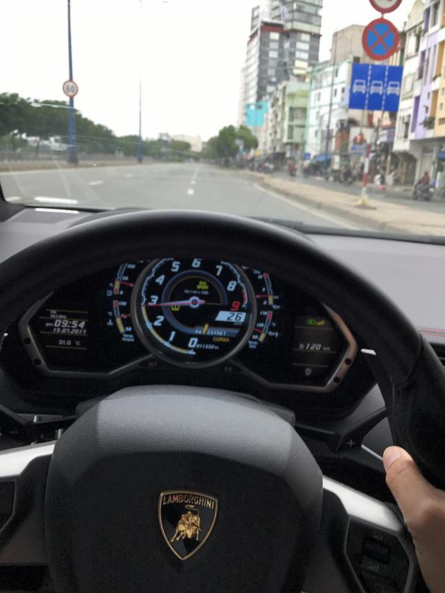 Dàn siêu xe rủ nhau tắm nắng tại Sài thành - Ảnh 3.