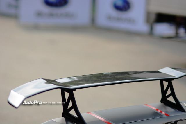 Soi kỹ chiếc Lamborghini Huracan độ cá tính của người chơi xe Sài thành - Ảnh 11.