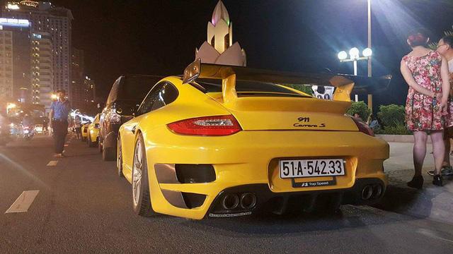 Sau Đà Nẵng, hàng chục siêu xe và xe thể thao tông xuyệt tông màu vàng di chuyển về Nha Trang - Ảnh 17.