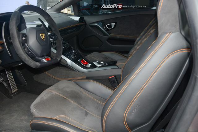 Soi kỹ chiếc Lamborghini Huracan độ cá tính của người chơi xe Sài thành - Ảnh 13.