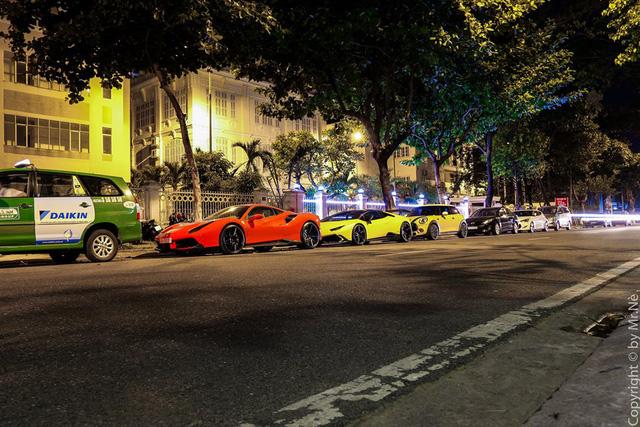 Dàn siêu xe độ khủng, biển VIP của các đại gia Đà thành tụ tập trên phố - Ảnh 2.