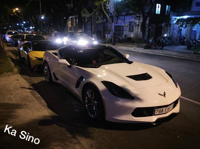 Chevrolet Corvette C7 Z06 Nha Trang dự tiệc đêm cùng dàn siêu xe độ khủng của đại gia Đà thành - Ảnh 1.