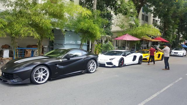 Cường Đô-la cùng dàn siêu xe của đại gia Việt tụ tập chơi lễ - Ảnh 2.