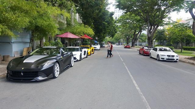 Cường Đô-la cùng dàn siêu xe của đại gia Việt tụ tập chơi lễ - Ảnh 1.