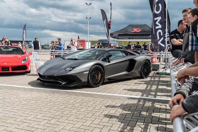 Đại tiệc siêu xe ở trường đua TT-Circuit Assen Hà Lan - Ảnh 16.