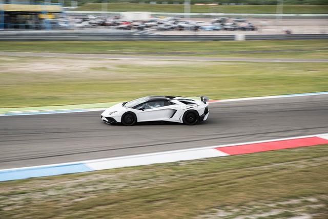 Đại tiệc siêu xe ở trường đua TT-Circuit Assen Hà Lan - Ảnh 17.