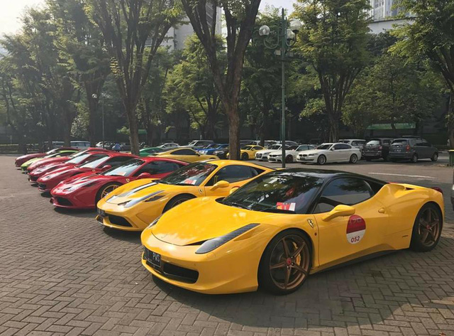 Hơn 30 siêu xe của đại gia Indonesia vây kín khu vực đậu xe tại Jakarta - Ảnh 2.