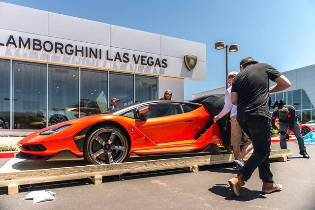 Siêu phẩm Lamborghini Centenario xuất hiện tại kinh đô cờ bạc Las Vegas - Ảnh 6.