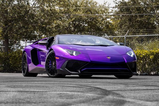 Vẻ đẹp siêu xe hàng hiếm Lamborghini Aventador SV Roadster màu tím - Ảnh 1.