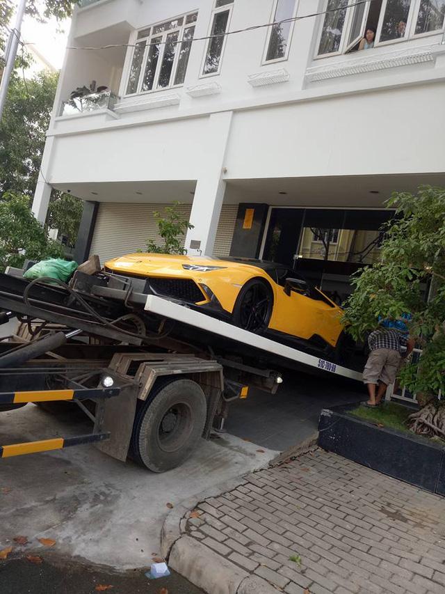 Lamborghini Huracan độ khủng của Cường Đô-la được vận chuyển ra Đà Nẵng - Ảnh 3.