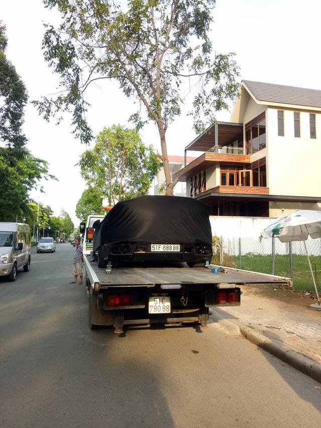 Lamborghini Huracan độ khủng của Cường Đô-la được vận chuyển ra Đà Nẵng - Ảnh 4.
