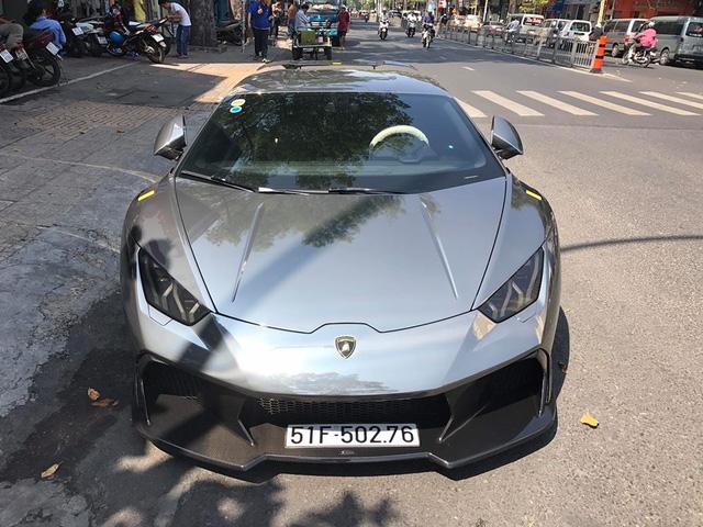 Cận cảnh bộ áo crôm trên Lamborghini Huracan độ Novara Edizione độc nhất Việt Nam - Ảnh 1.