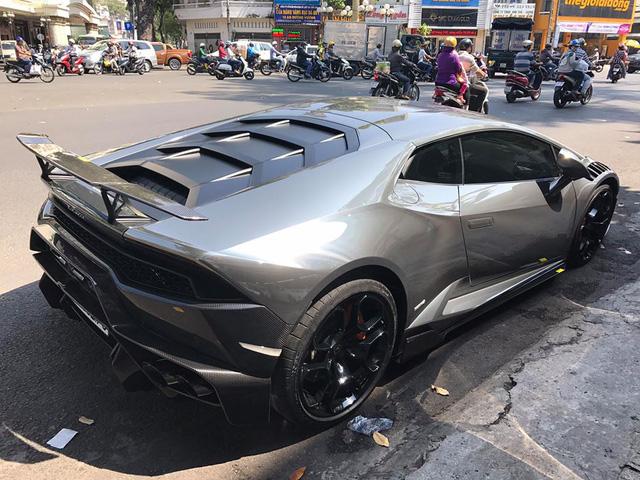 Cận cảnh bộ áo crôm trên Lamborghini Huracan độ Novara Edizione độc nhất Việt Nam - Ảnh 3.