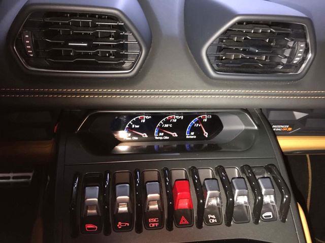Lamborghini Huracan từng độ mâm bản giới hạn 273 triệu Đồng đang được chủ nhân rao bán - Ảnh 8.
