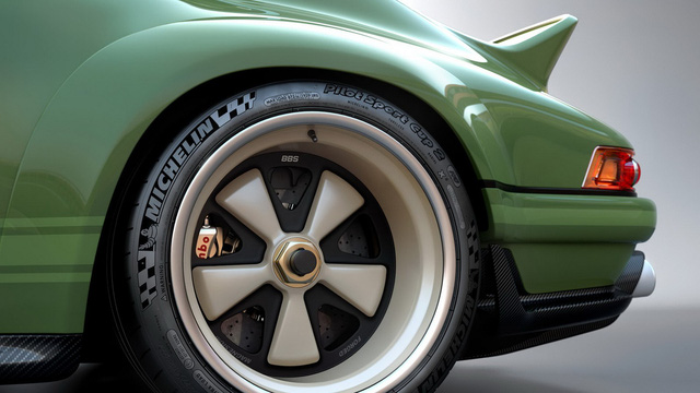 Porsche 911 27 tuổi được lột xác với công nghệ F1 - Ảnh 7.