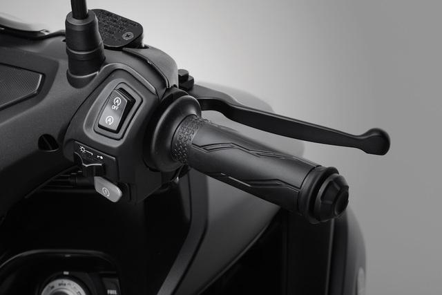 Yamaha NVX có thêm màu sơn mới, tặng thêm cặp phuộc dầu cho bản 155 phân khối - Ảnh 18.