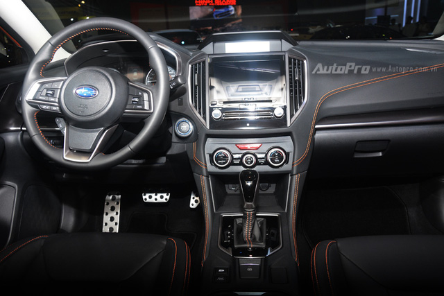 Cận cảnh Subaru XV 2018 có giá bán 1,55 tỷ Đồng tại Việt Nam - Ảnh 10.