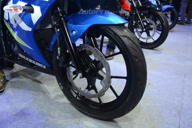 Cận cảnh Suzuki GSX-R150, đối thủ chính của Yamaha R15 và Honda CBR150R - Ảnh 17.